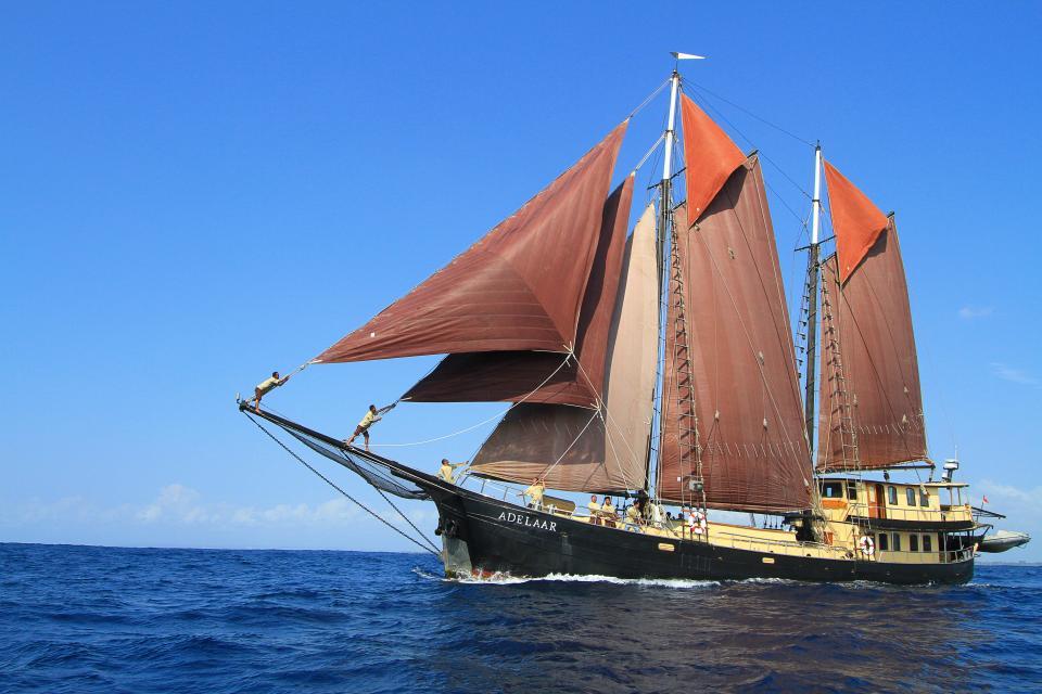 Adelaar Boat Photo