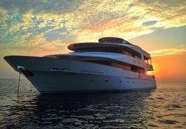 Carpe Vita Boat Photo